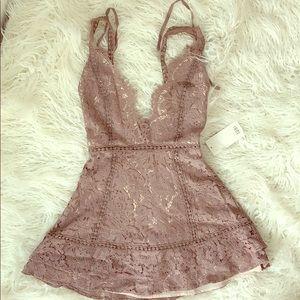 Toni lace mini dress